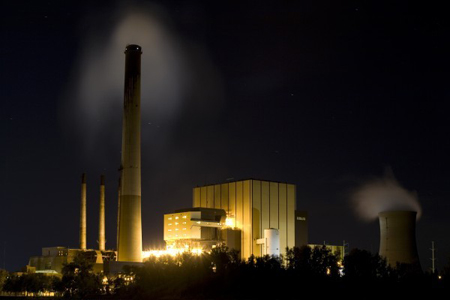 NIPSCO's Michigan City generating station is one of several region power plants that must curb air pollution under a new federal rule set to take effect in 2014. (Photograph by The Times.)