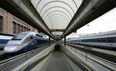 "High-speed trains are shown in the Part-Dieu train station in Lyon, central France. The Indiana High Speed Rail Association is pushing for a ""signature"" high speed rail project for Indiana, such as a Chicago to Indianapolis to Cincinnati route via a high-speed rail station at the Gary/Chicago International Airport. (AP Photo/Laurent Cipriani, file)"